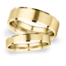 4mm Slight Court Extra Heavy polished chamfered edges with matt centre Wedding Ring in 9 Carat Yellow Gold