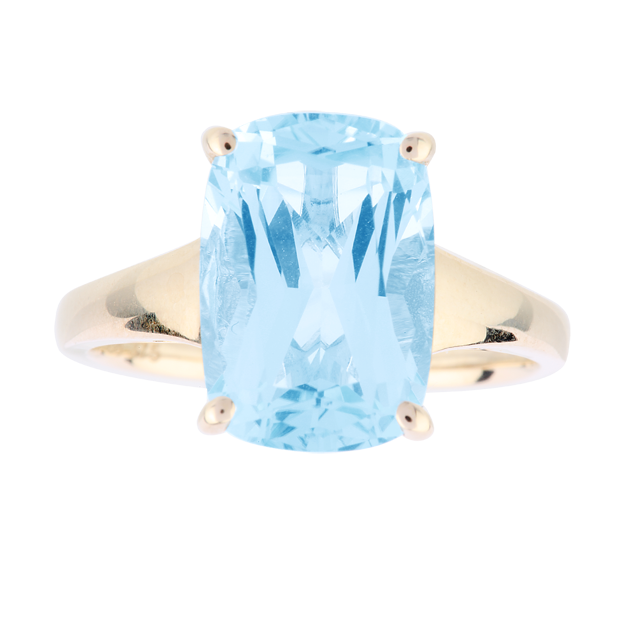 Blue Topaz Ring in 9 Carat Yellow Gold - Ring Size J